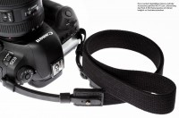 Camera carrying strap made of leather and cotton for DSLR in black | Rock n Roll | S